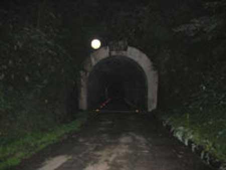 牛首トンネル編